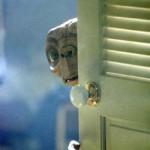 """Eternità dell'attraversamento: la bicicletta, la luna, l'incanto. """"E.T."""" di Steven Spielberg"""
