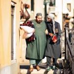 Sorridere con l'integrazione. Fariborz Kamkari presenta Pitza e datteri
