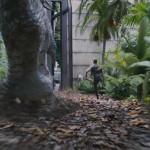 Clive Owen scappa dal dinosauro! Una nuova clip da Jurassic World