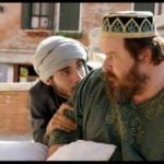 Giuseppe Battiston si converte all'Islam in Pitza e datteri