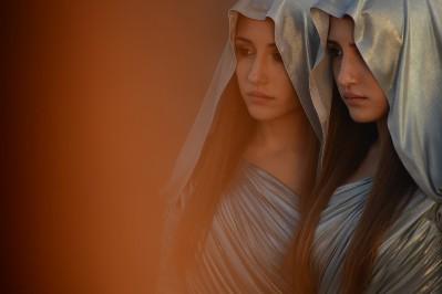 marianna-e-angela-fontana-indivisibili