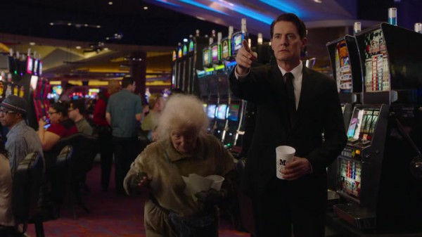 Twin-Peaks-Season-3-Episode-4-1-7ed2