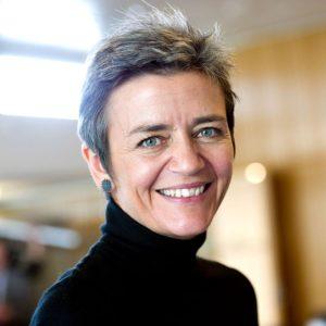 Margrethe Vestager, il Commissario UE scagliatosi contro i cavetti Lightning di Apple