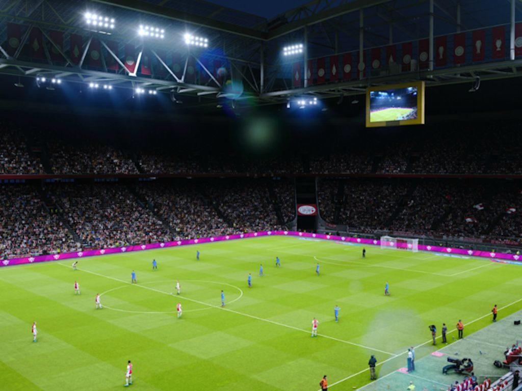 PES 2020 ci offre delle splendide visuali allargate, che ci permettono di seguire meglio il dipanarsi di un'azione di gioco... quasi come vedere una partita in TV
