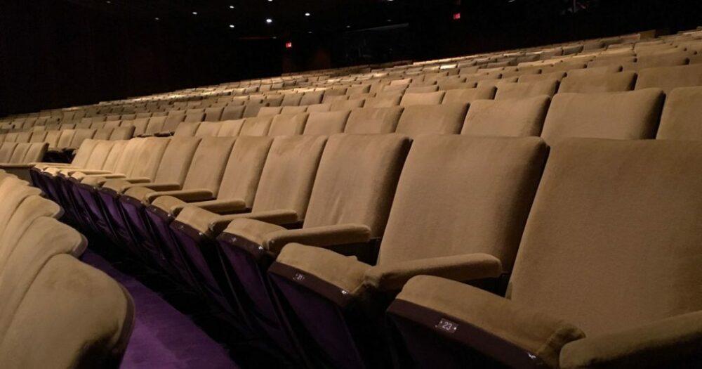 Sindacati: errore chiudere con Dpcm cinema e teatri