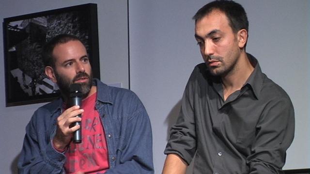 Un ironico Fausto Brizzi e un pensieroso Marco Martani in un momento dell'incontro al Makenoise
