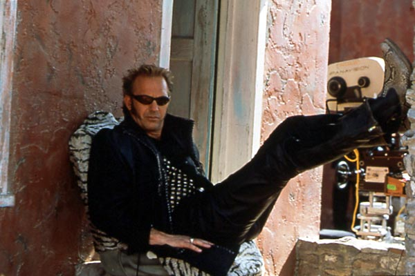 Kevin Costner sul set de La rapina