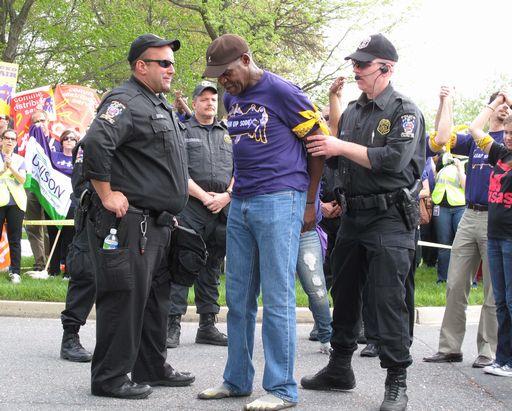 danny glover arrestato