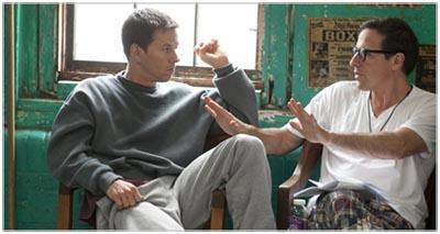Mark Wahlberg e il regista David O'Russell sul set di THE FIGHTER