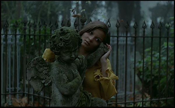 Addio a Jean Rollin. Françoise Pascal in LA ROSE DE FER (1973)