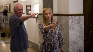 John Carpenter e Amber Heard sul set di THE WARD