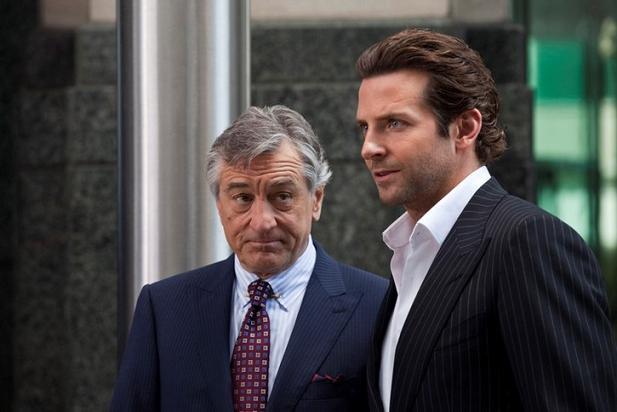 Bradley Cooper e Robert De Niro in Limitless di Neil Burger