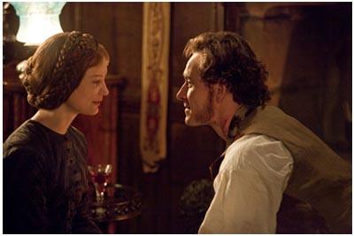 Mia Wasikowska e Michael Fassbender in JANE EYRE (2011) di Cary Fukunaga