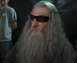 Ian McKellen con occhiali 3D sul set di LO HOBBIT. Foto scattata da Peter Jackson