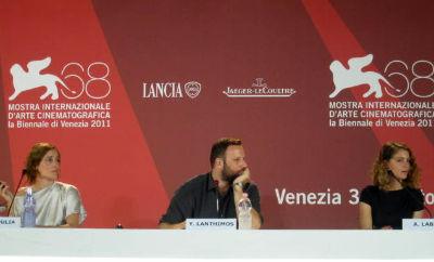 Yorgos Lanthimos con Aggeliki Papoulia e Ariane-Labed - ALPIS pressconference