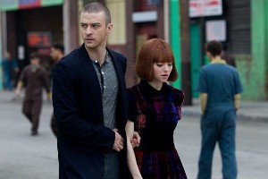 Justin Timberlake e Amanda Seyfried in In Time