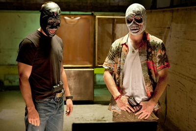 Aaron Johnson e Taylor Kitsch in Savages di Oliver Stone