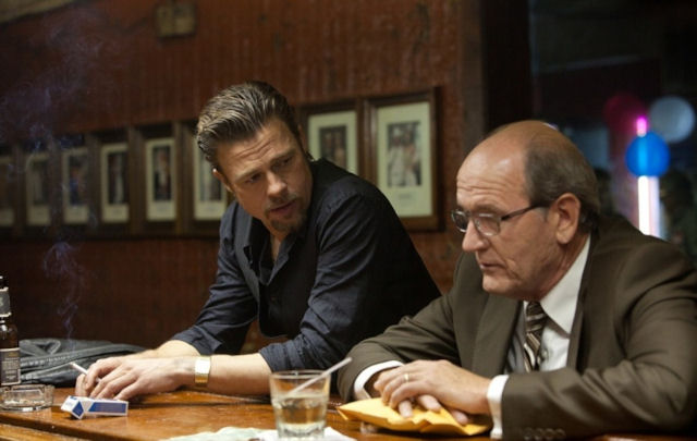 Brad Pitt e Richard Jenkins in Killing Them Softly