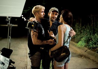 Il regista Derek Cianfrance con Ryan Gosling e Eva Mendes