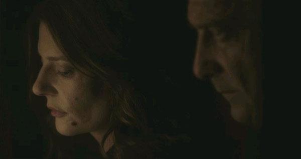 Chiara Mastroianni e Vincent Lindon in LES SALAUDS, il noir di Claire Denis