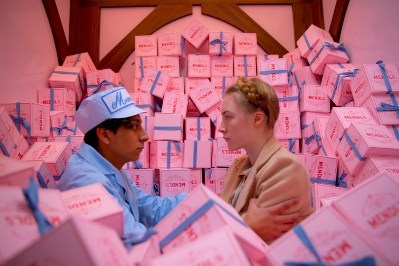 tony revolori e saoirse ronan in the grand budapest hotel