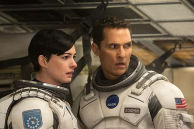 matthew mc conaughey e anne hathaway in interstellar